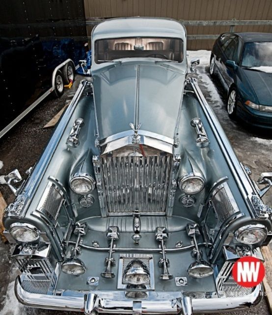Rolls Royce Wraith 1938. Someone's gone a little over the top with the bling!