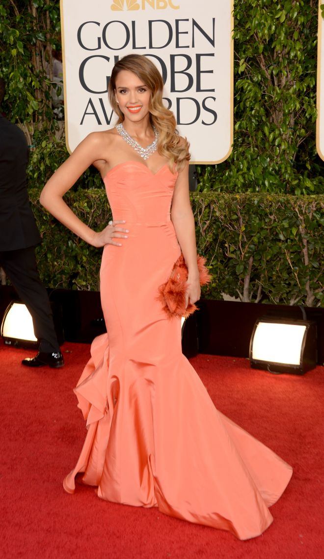 Jessica Alba's Golden Globes gown by Oscar de la Renta