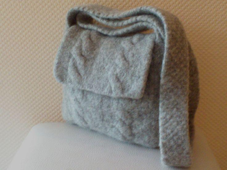 Handtasche mit Zopfmuster hellgrau von Tassen - en - meer   auf DaWanda.com