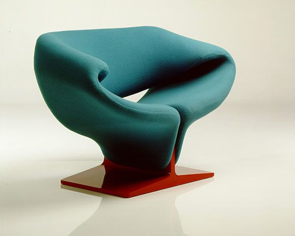 Beautiful combination of turquoise and red lacquer on this Ribbon Lounge Chair, Pierre Paulin by Artifort.