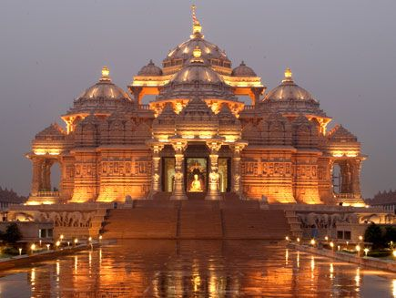 BAPS Swaminarayan Akshardham is a 100-acre Hindu temple complex in New Delhi, India. It aims to showcase Hinduism's ancient art, culture and spiritual heritage.