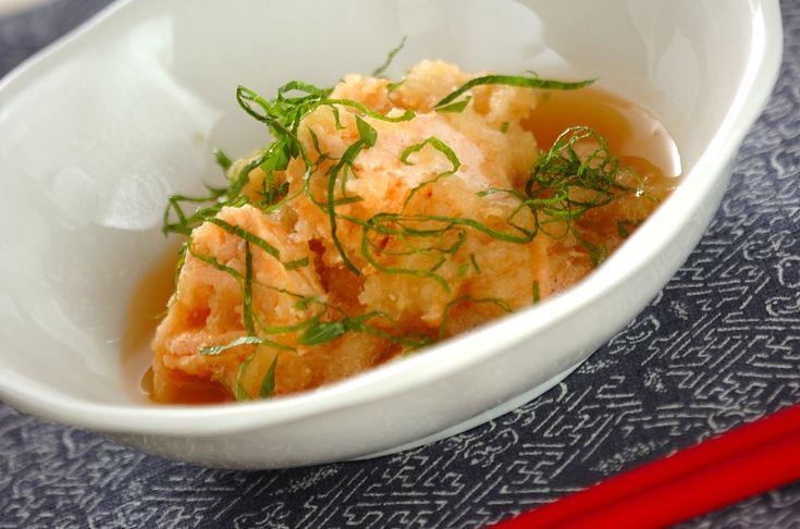 鮭はレンジで加熱するのでしっとり、ふんわり仕上がります。口あたりの優しいカブとの相性もよし!鮭のカブおろし和え/増田 知子のレシピ。[和食/一品料理]2012.01.24公開のレシピです。