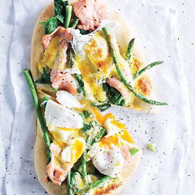 Taste Mag | Eggs Benedict pizza @ http://taste.co.za/recipes/eggs-benedict-pizza/