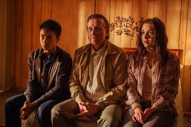 Robert Patrick, Brandon Soo Hoo, and Madison Davenport in From Dusk Till Dawn: The Series (2014)