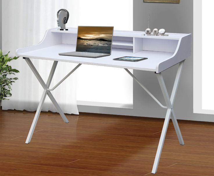 Bonito escritorio blanco, perfecto para crear un pequeño rincón de trabajo sin duda una elección acertada. Kitkay.es