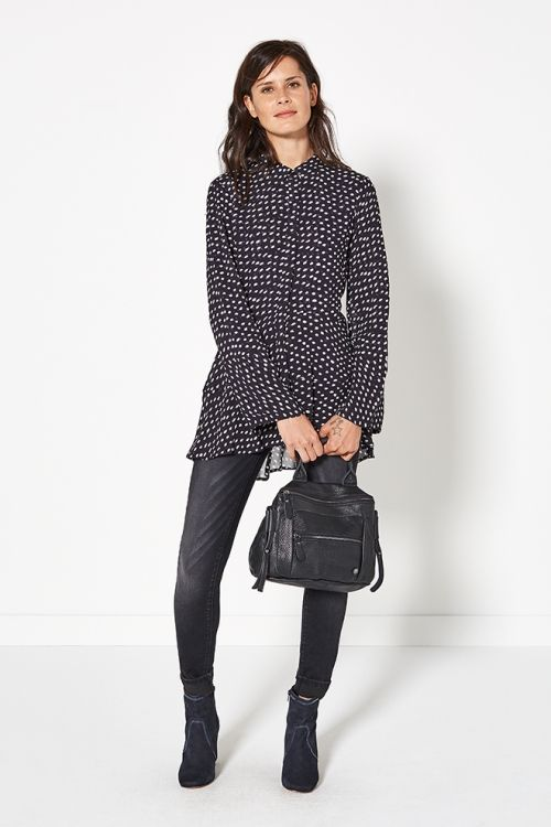 Glamping | Fashion | Blouse | Dots | Blue | Bag | Leather | Pants | Lookbook