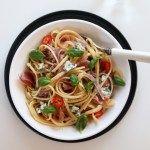 Kremet spagetti med spekeskinke og blåmuggost