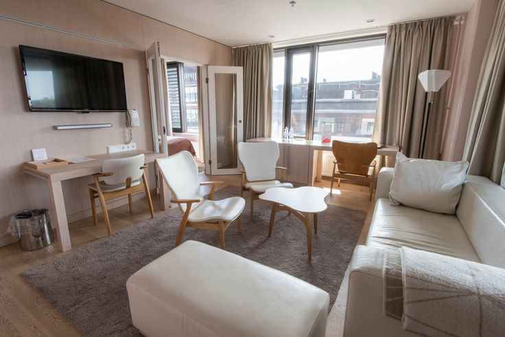 Original Sokos Hotel Ilveksen kaunis ja hienolla näköalalla varusteltu hääsviitti Tampereella.