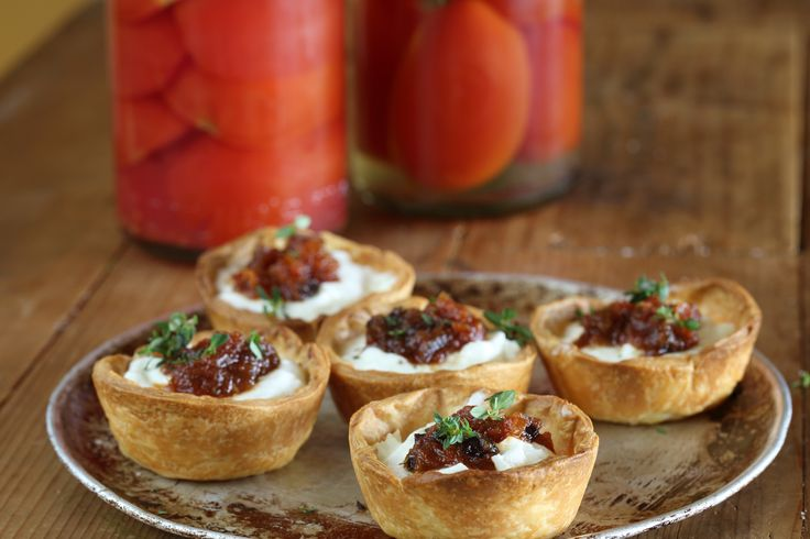Warm Goats Cheese Tartlet with Tomato & Sultana Chutney - Maggie Beer