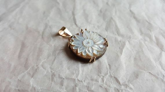 Handmade cameo pendant set in gold 9kt.