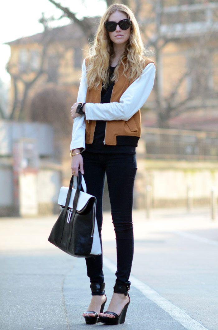 黒でまとめてすっきりキレイめに着こなす♡ 人気のおすすめスタジャン一覧。レディースファッションまとめ。