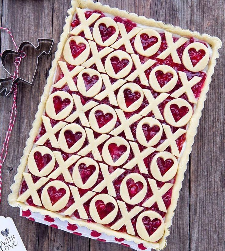 Love and kisses pie