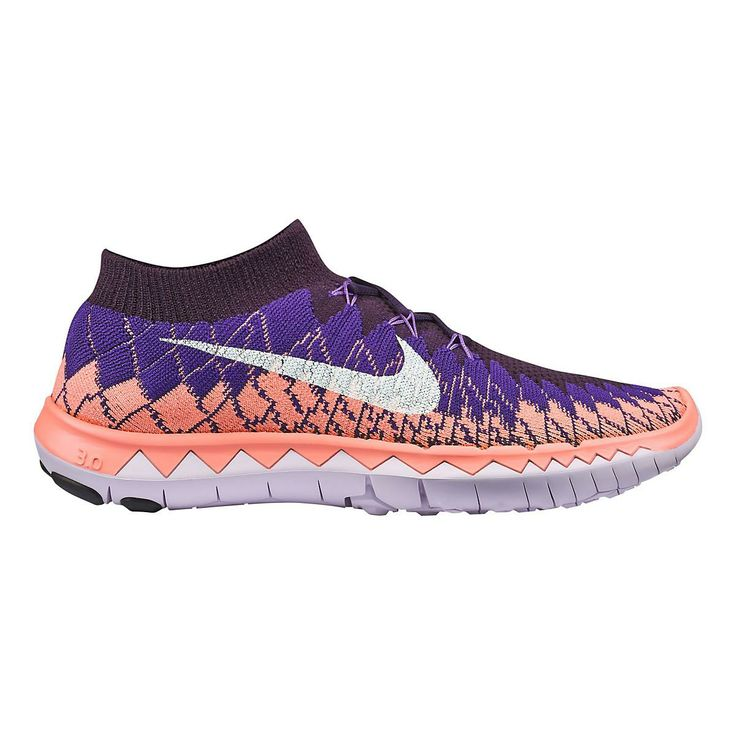 Feel free to float naturally through every run, finding your most connected, comfortable strides in the new Womens Nike Free 3