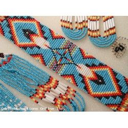 Navajo Style Feather Pattern Indian Beadwork Necklace & Earrings