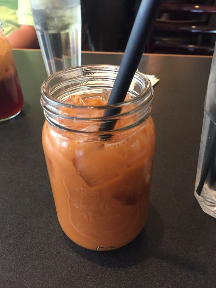 Manson jar live at the Thai restaurant :) and the matte black straws were a nice touch.