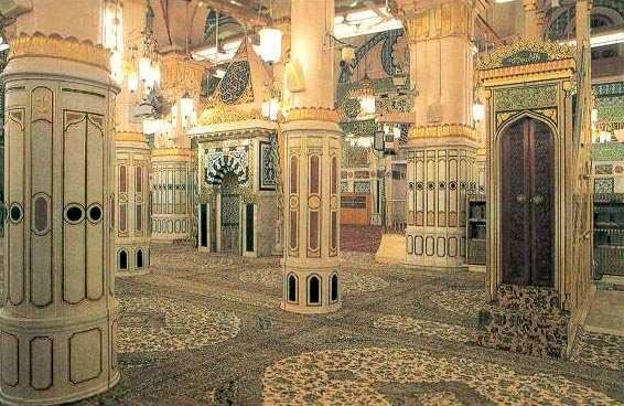 Inside-view-of-the-Masjid-e-Nabawi