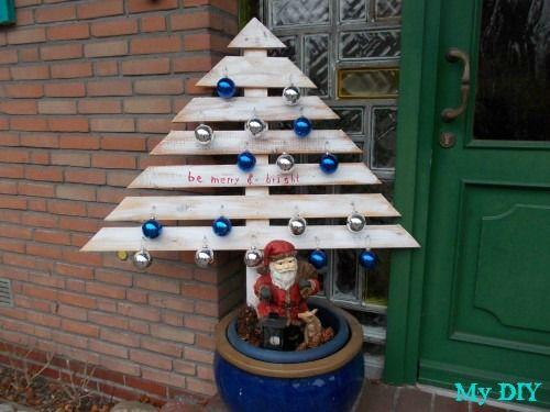 Perfect Weihnachtsbaum aus Palettenbrettern Christmas tree made of pallet boards