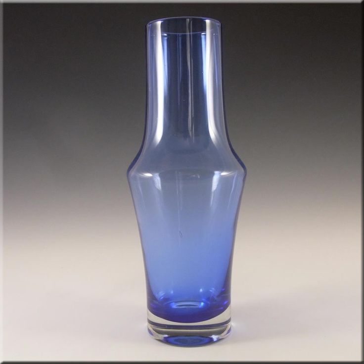 Riihimaki/Riihimaen Tamara Aladin Blue Glass Vase 1376 - £20.00