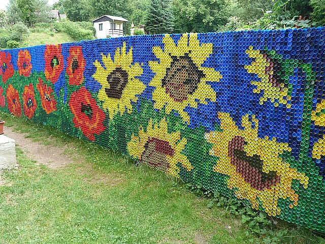 fence from plastic bootle caps. #Ukraine