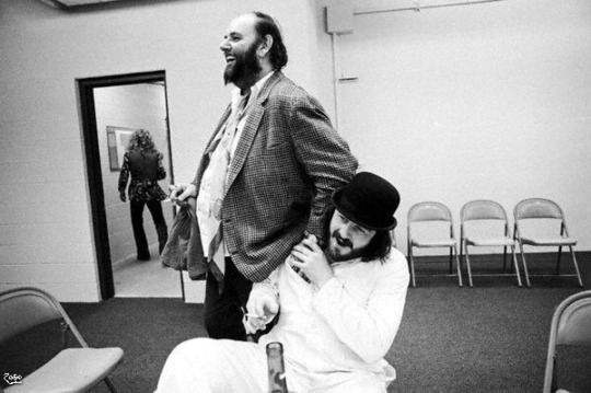 Peter & Bonzo with Percy backstage at Market Square Arena in Indianapolis, Indiana.