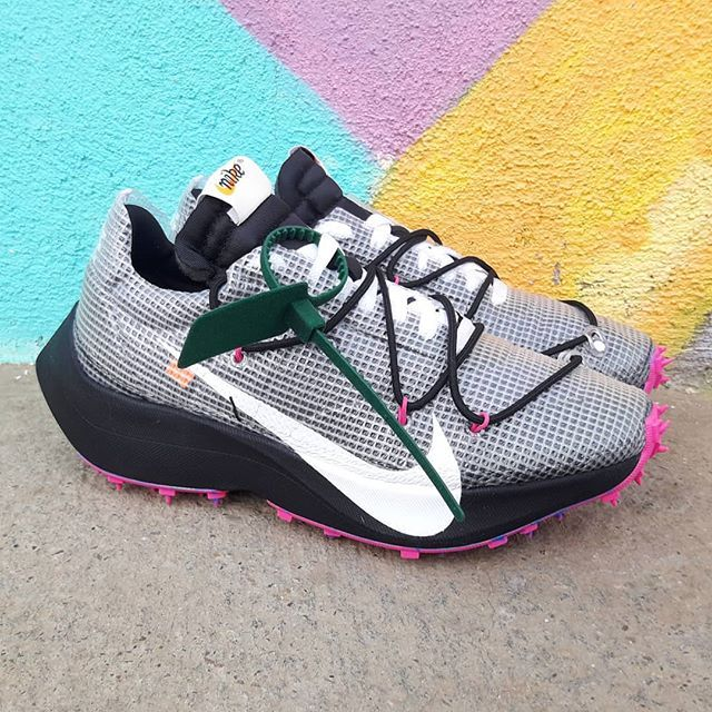 sólido espía desconocido  Nike Vapor Street Off-White Size Man - Precio: 249 (Spain & Portugal Envíos  Gratis a Partir de 70) www.loversneakers.com #loversneake…   Nike air, Nike,  Hypebeast