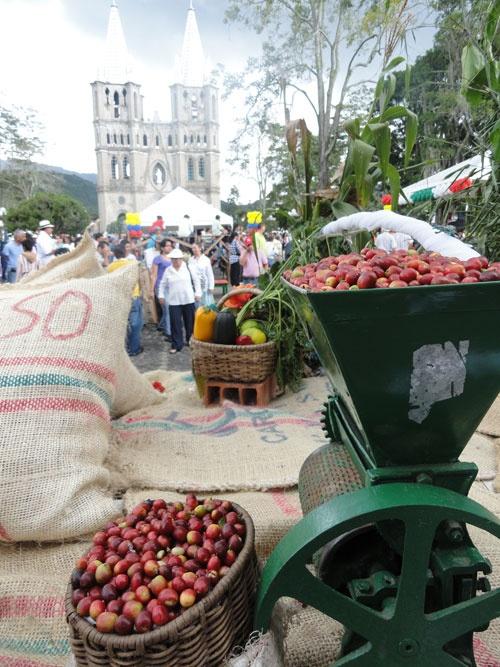 Colombia: Molino de cafe Colombia's coffee belt