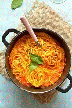 Spaghetti und vegane Tomatensoße | 23 einfache Abendessen, die Du nach der Arbeit kochen kannst