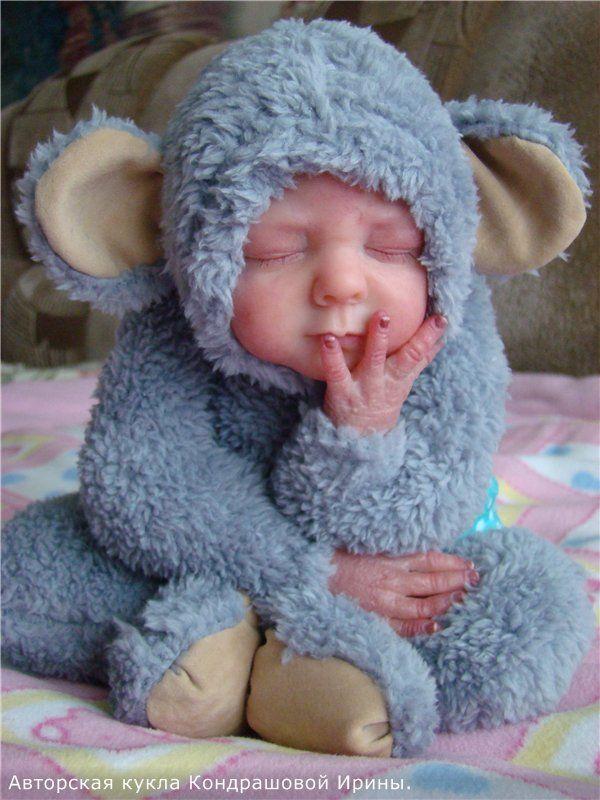 То ли мышка, то ли обезьянка. Авторская кукла Кондрашовой Ирины. / Изготовление игрушек своими руками / Бэйбики. Куклы фото. Одежда для кукол