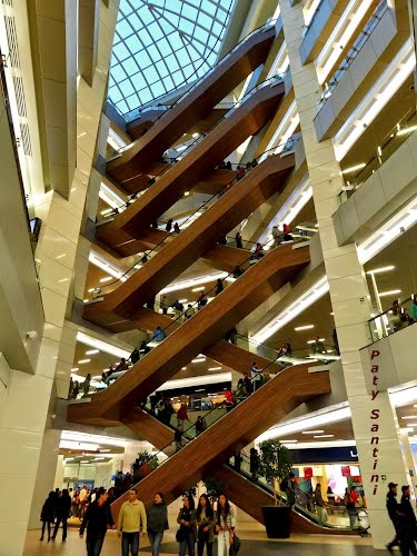 Mall Costanera Center, Providencia, Santiago, Chile.