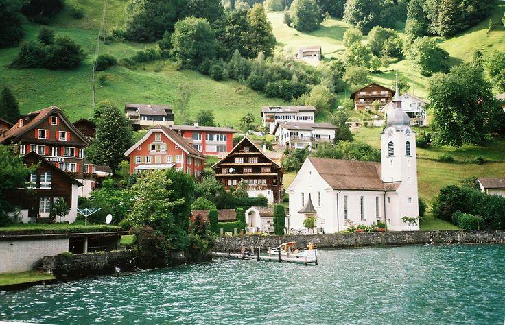 Hermosa Colonia en la Naturaleza. Suiza ♥♥