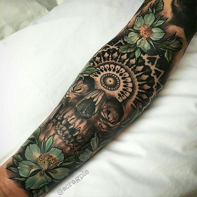 12 best dr jekyll and mr hyde tattoos images on pinterest horror tattoos tattoo artists and. Black Bedroom Furniture Sets. Home Design Ideas