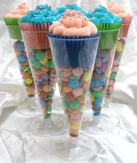 CUPCAKES IN DOLLAR STORE CHAMPAGNE FLUTES So cute for an informal wedding!