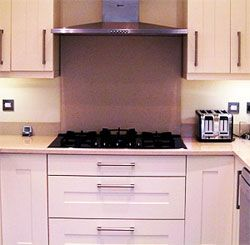 """Can my oven and hob be separated in different parts of the kitchen? - The quick answer to """"can my oven and hob be separated in different parts of the kitchen?"""" is yes.  http://advice.diy-kitchens.com/customer-questions/can-my-oven-and-hob-be-separated-in-different-parts-of-the-kitchen/"""