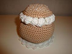 Free Crochet Swedish Semla Pattern / Gratis mönster på virkad Semla Fastlagsbulle