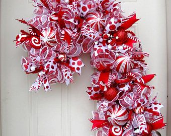 Candy Cane Christmas Wreath- Red and White Wreath- Christmas Wreath- Front Door Wreath- Deco Mesh Wreath