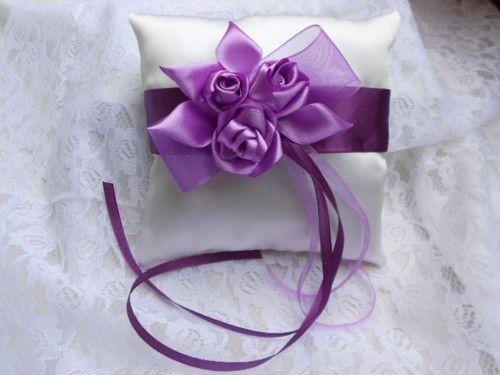 Svatební polštářek pod prstýnky -  fialové růže