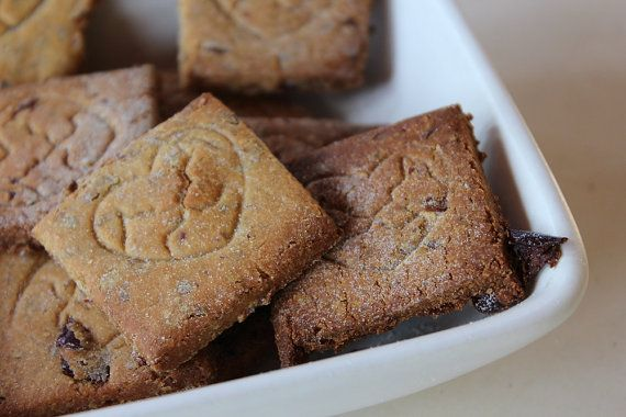 Dog biscuits with cowberry by SugarFlowerDogBakery on Etsy