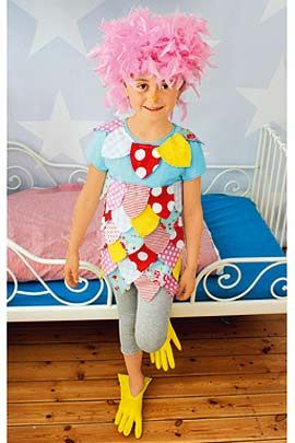 Quietschbunt und gut gelaunt ist dieser schnuckelige Paradiesvogel. Wie Sie das Kostüm für Ihr Kind ganz leicht nachbasteln können. © 2014 Christophorus Verlag GmbH & Co. KG