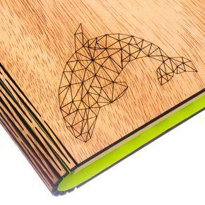 libreta-tapas-madera-papel-reciclado-grabado-laser-orca-ondas-cuaderno-papel-reciclado-detalle-grabado-lase
