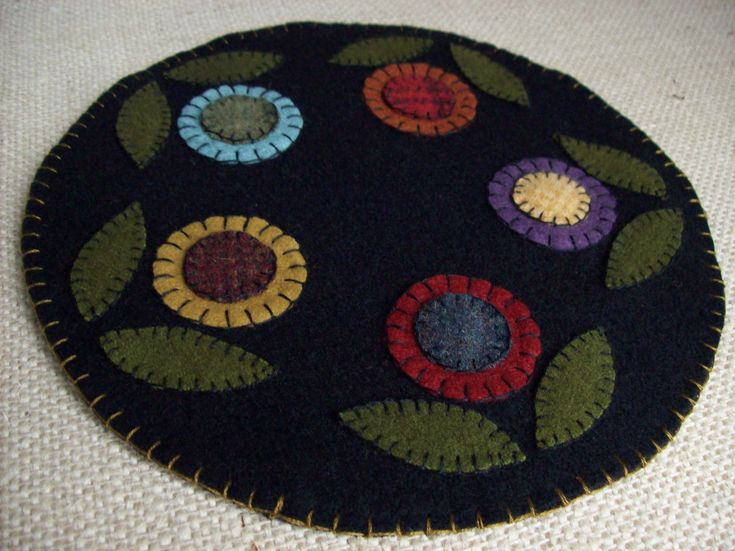 Penny Rug Flower Candle Mat
