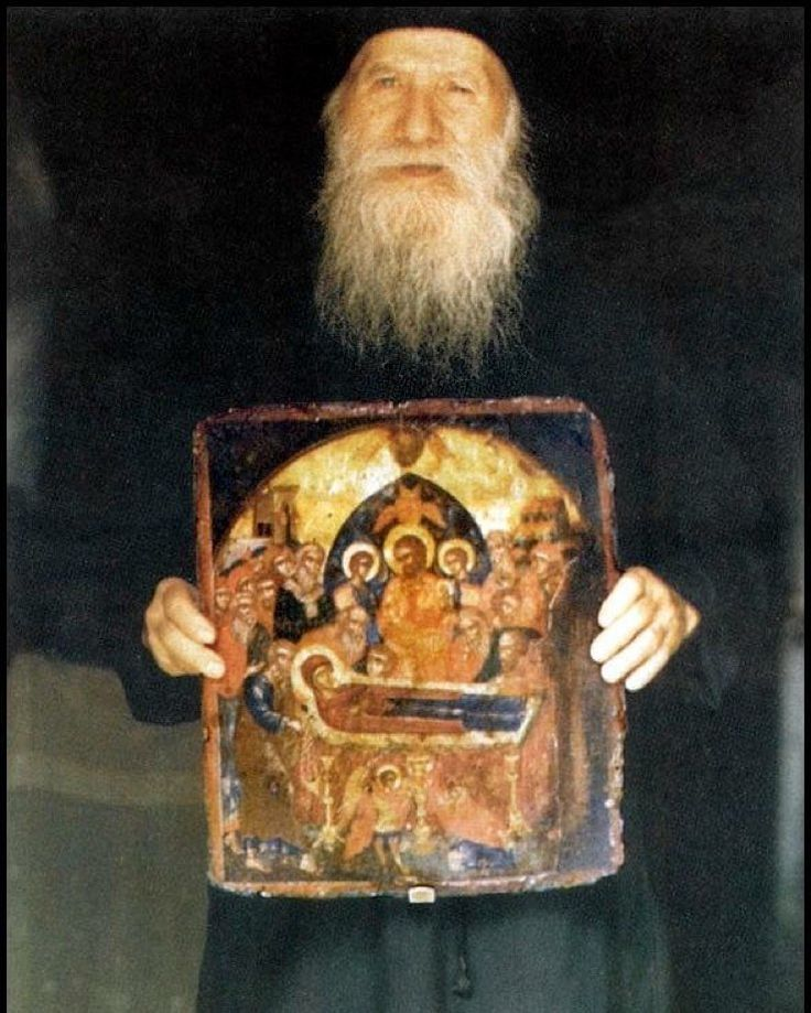 the spiritual children of Elder Porphyrios told about how he taught them to pray. He placed us towards the east two of us to his left and two to the right with him in the middle. Now well pray noetically. first I will say the words and you will repeat them. But be careful without anxiety or force youll say the words calmly humbly with love and sweetness. The Elder started off with his fine delicate and eloquent voice Lord Jesus Christ have mercy on me. He said it very slowly word by word…