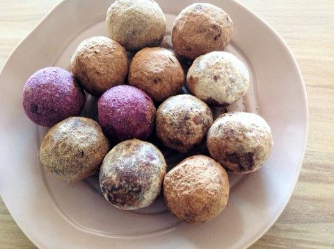 Colourful Cacao & Coconut Blissfood Balls – Vibrant Nutrition