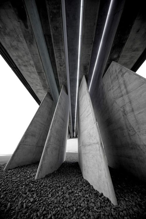Detail of the BMW Central Building, Leipzig, Zaha Hadid, 2003-05