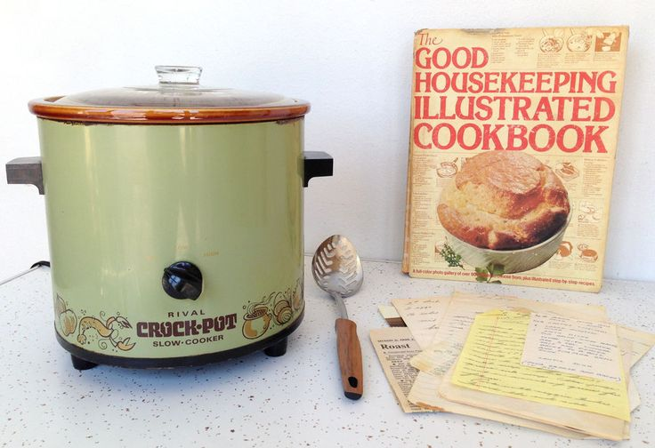 Vintage Rival Crock Pot Slow Cooker Avocado Green w/ Cookbook Recipes #Vintage #Crockpot #Rival #Cokbook #Recipes #Midcentury #Thriftytrendzbyjuls