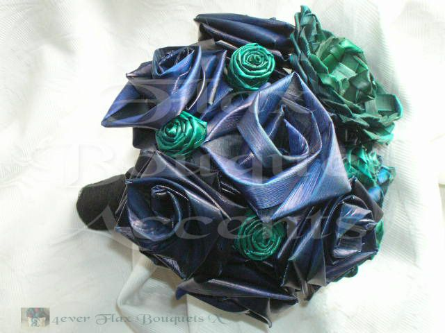 Flax Bouquets.co.nz ~ Designer of Flax T Roses© Harakeke plaited Roses as well as Lilies - Full coloured, hand created in Aotearoa New Zealand `Miztdy Blues`