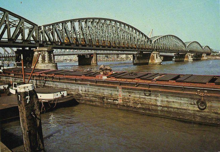 De Maasbruggen, treinbrug van Rotterdam-Noord naar -Zuid, ©Spanjersberg, Rotterdam