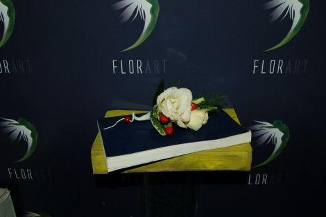 #Cocardă pentru mire și naș cu #trandafiri și #mure - #Livrare în #Moldova. #butoniera #boutonniere #berry #rosa #wedding #groom
