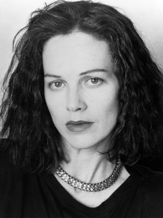 Judy Davis - Absolutely loved her in The Ref w/Dennis Leary. (and everything else she's ever done!)