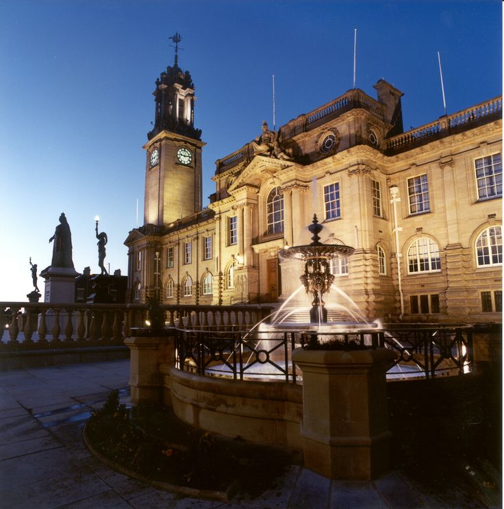 THE TOWN HALL,SOUTH SHIELDS was designed by architect E.E.FETCH and replaced the old Town Hall which still stands in the Market Place. He started to      build in 1905 and it was opened on      19th October 1910.The building was      opened by George Thomas Grey ,who was mayor of South Shields at the time.
