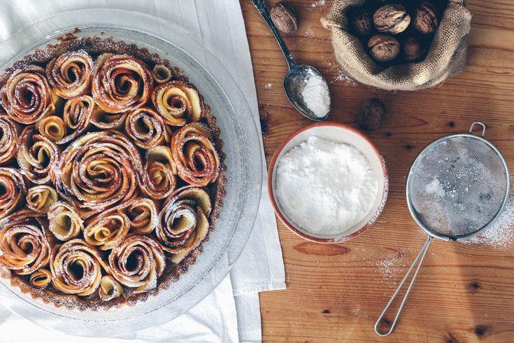 Cherries on Top: Slavnostní koláč s jablečnými růžemi